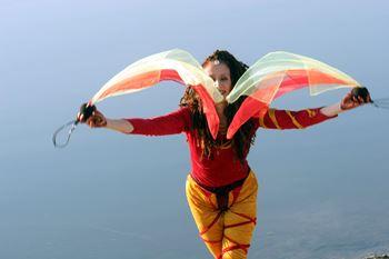 Foto dancing raven woman Unterhaltung Neustadt